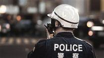 警察 flickr-Giant Humanitarian Robot