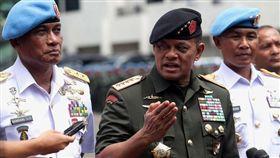 印尼巴布亞挾持危機 軍警救出350人質_https://news.detik.com/berita/3732436/pembebasan-sandera-kkb-papua-panglima-gatot-tni-bergerak-senyap