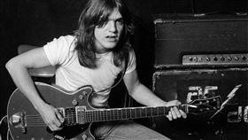 AC/DC,Malcolm Young,金屬,搖滾,樂團,Angus Young,臉書 圖/翻攝自AC/DC臉書 https://goo.gl/sGZHd8