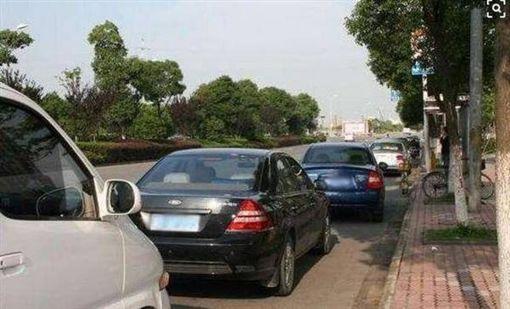 大陸,車禍,酒駕,賠償,路邊停車 圖/翻攝自搜狐新聞