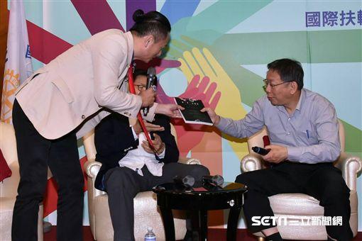 柯文哲出席扶輪社青年領袖市長座談 北市府提供