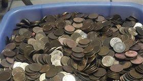 硬幣,1元,零錢,銀行,銅幣 (圖/翻攝自爆廢公社)