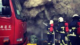 消防,學長,救災,家屬,怕死,哭泣,流淚,那時候,忘記對消防員說的感謝 圖/翻攝自臉書那時候,忘記對消防員說的感謝