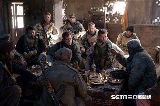雷神索爾,克里斯漢斯沃,12猛漢,阿富汗,911,恐攻/CatchPlay提供