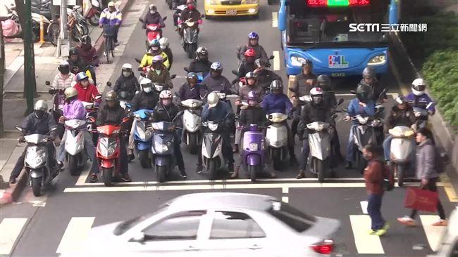 台北人都不騎機車?他揭「交通照妖鏡」:天龍國真的不一樣