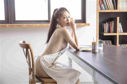 女帝,林采緹,蛇姬,呼麻,寫真,全裸