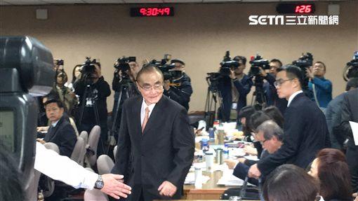國防部長馮世寬 赴立法院針對慶富案專案報告