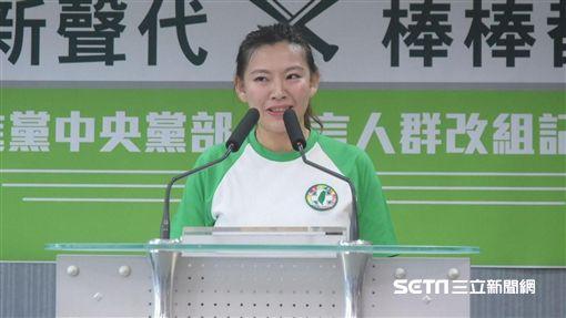 民進黨發言人青年部副主任何孟樺 圖/記者林敬旻攝