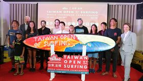 ▲2017台灣國際衝浪公開賽國內外衝浪好手齊聚一堂。(圖/平實行銷提供)