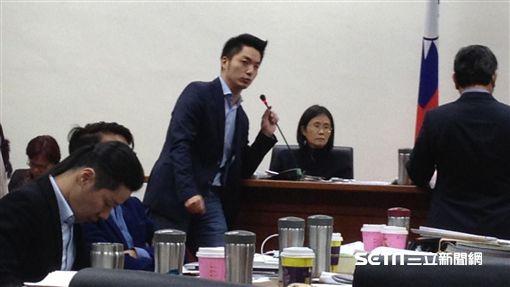 立院衛環及經濟委員會聯審勞基法,記者李英婷攝