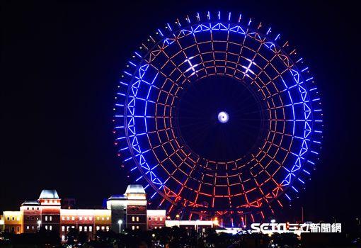 麗寶樂園聖誕節摩天輪燈光秀。(圖/麗寶樂園提供)