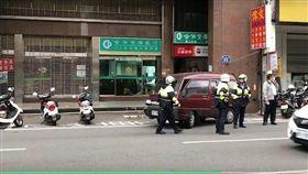 新竹市東門街 合作金庫 搶銀行  圖/翻攝畫面