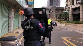 新竹,合庫,警匪對峙/翻攝畫面