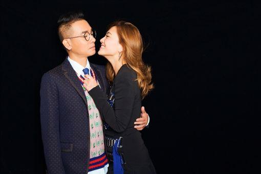 陳小春和應采兒互動逗趣,深受粉絲喜愛。(圖/翻攝自微博) ID-1150516