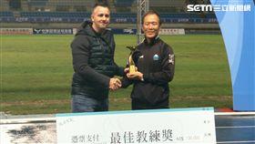 ▲中華足球總教練Gary White與大同隊總教練強木在。(圖/記者林辰彥攝影)