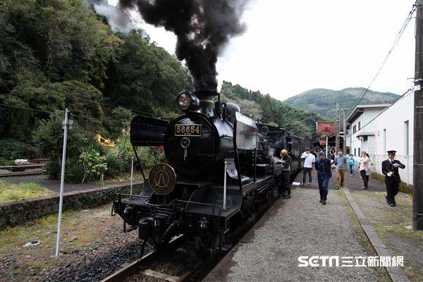 日本九州觀光列車,SL人吉,蒸汽火車。(圖/記者簡佑庭攝)