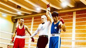 清大杜柏緯塞爾維亞拳擊賽奪冠(1)國立清華大學體育系二年級學生杜柏緯(右)代表台灣參加塞爾維亞國際拳擊邀請賽,勇奪冠軍。(清大提供)中央社記者魯鋼駿傳真 106年11月27日
