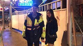女大生一路睡到總站,竟被反鎖在公車上。(台北市文山第一分局提供)