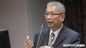 立法院財政委員會,財政部長許虞哲。 圖/記者林敬旻攝