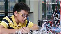 14歲國中生Google當老師 自學組裝無人機 SOT