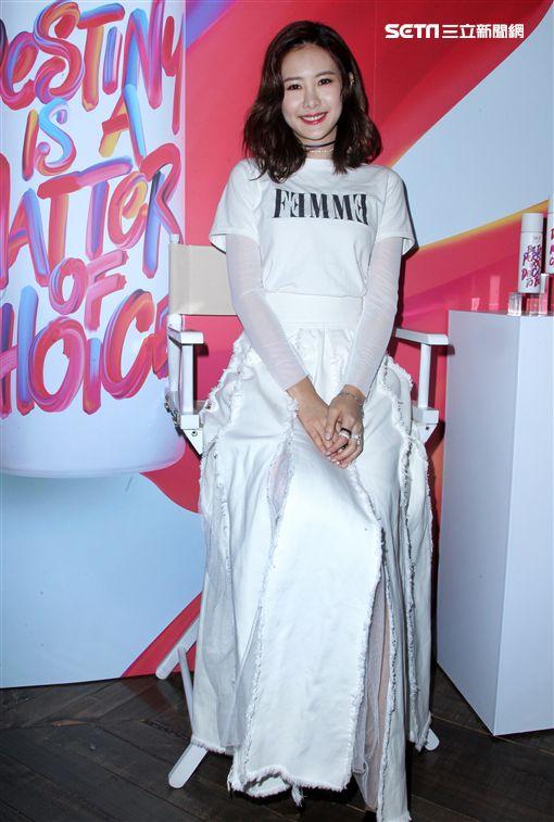 安心亞跨年忙趕場還要籌備戲劇飾演外籍新娘。(記者邱榮吉/攝影)