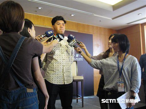 ▲東北樂天投手宋家豪接受台灣媒體訪問。(圖/記者蕭保祥攝)