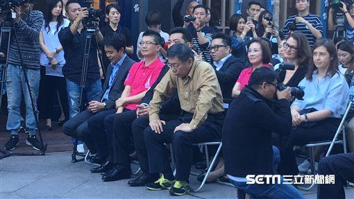 柯文哲出席冰雪嘉年華開幕記者會 盧冠妃攝