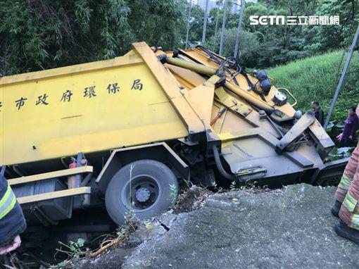 垃圾車,翻覆