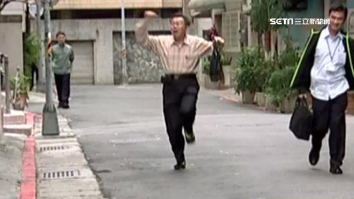 上班差30秒錯過公車! 柯文哲傻眼暴跳
