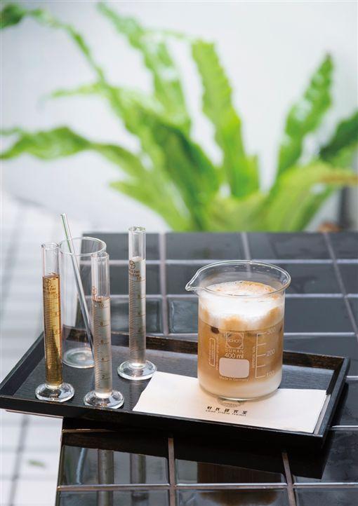手沖咖啡,咖啡,台灣角川,Taipei Walker,上班族,Coffee Moon珈琲月 ID-1161160