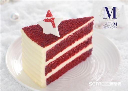 Lady M「聖誕限定款紅絲絨蛋糕」。(圖/Lady M提供)