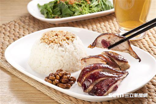了凡香港油雞飯‧麵。(圖/和億生活集團提供)