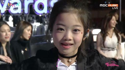 影/8歲女童參加MMA 秀超狂舞技觀眾一秒被圈粉圖/翻攝自팅글리 [ TingGlees ] YouTubehttps://www.youtube.com/watch?v=Z1s_ygWN6JE