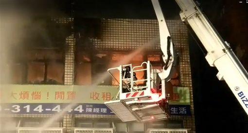 北市違建公寓大火
