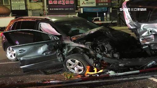 酒駕連環撞毀11車 丟包女友人!駕駛落跑