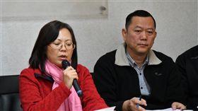 內政部營建署主任秘書陳貞蓉說明內政部將全力推動違建查處。(內政部提供)