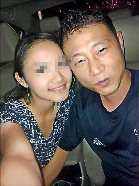 黃俊華臉書中還留有與馬女的快樂合照。翻攝臉書