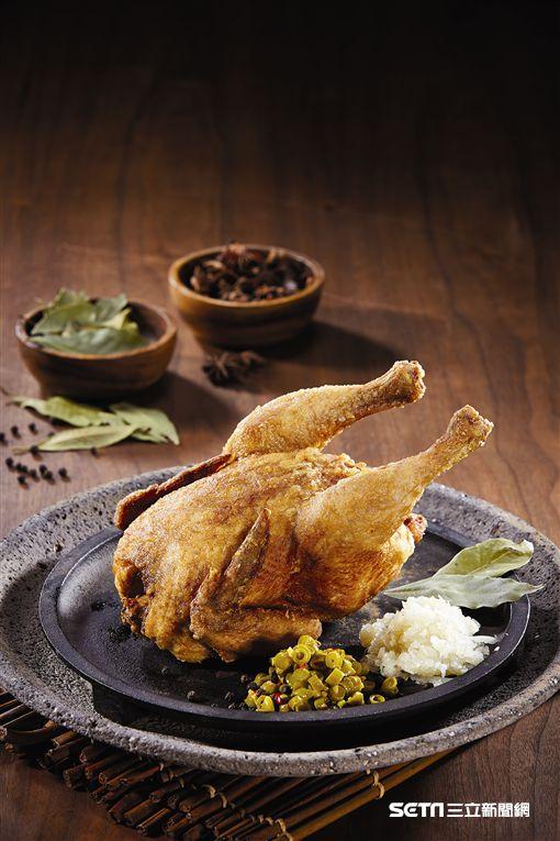繼光香香雞,烤全雞,薄皮一隻雞。(圖/繼光香香雞提供)