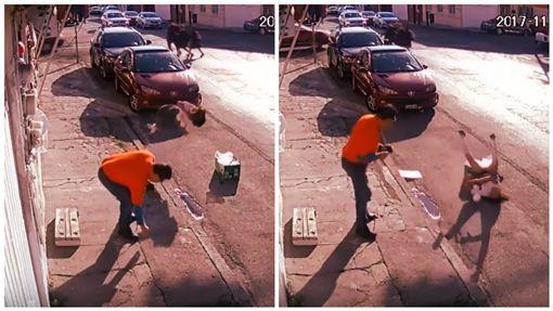 墨西哥,女學生,街頭慘摔,摔倒。(圖/翻攝自YouTube) ID-1166285