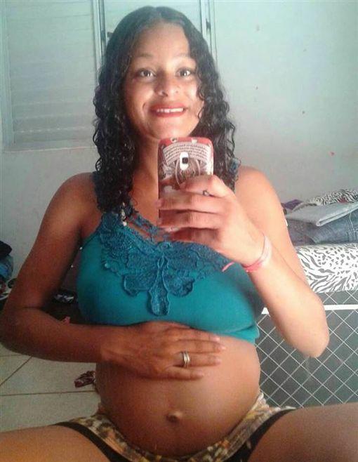 巴西,流產,懷孕,子宮,嬰兒,分娩(圖/翻攝自臉書)https://www.facebook.com/itatiaiapatrulha.bh/posts/1348032435307262
