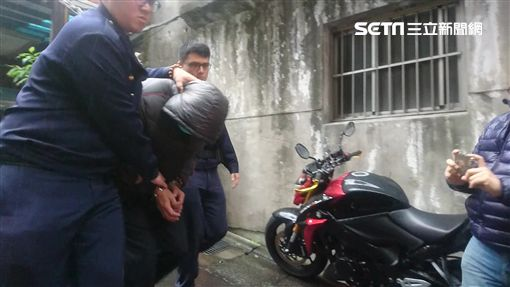 土城警分局劉姓警備隊員因偷竊遭警方移送。(圖/翻攝畫面)