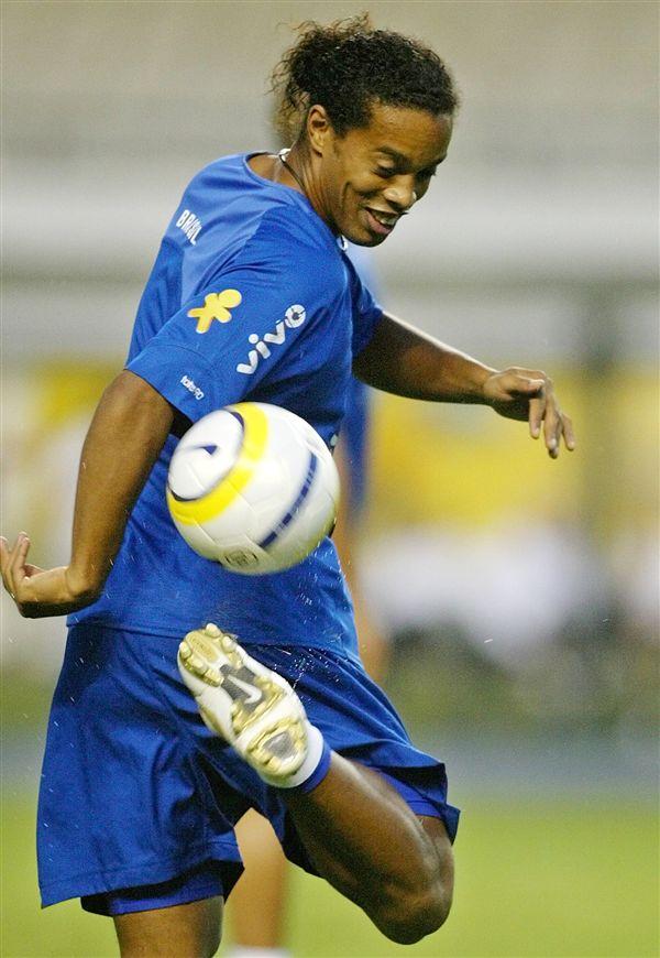 ▲巴西明星球員小羅納度表示退休後要專心玩音樂。(圖/美聯社/達志影像)