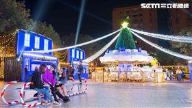 新北市歡樂耶誕城,板橋車站,耶誕光之舞。(圖/新北觀光局提供)