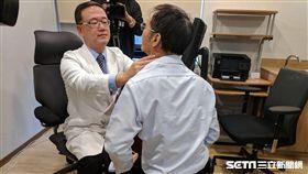 ▲榮新診所副院長潘俊伸提醒,骨質疏鬆也有可能是副甲狀腺機能亢進引起,建議養成定期健康檢查,及早發現盡早治療。(圖/書田診所提供)