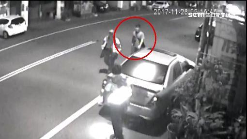 警察來了!車手急跑百米躲 還是逃不了