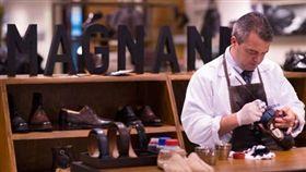 西班牙極品製鞋工藝MAGNANNI,美國影星巨石強森也愛用。