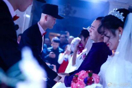 大陸,黑龍江,大慶,雙胞胎,結婚,婚禮(圖/翻攝自微博)