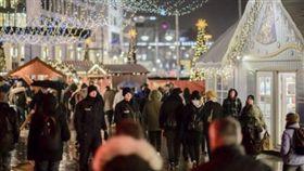 德國柏林,聖誕市集,停車場發現大批子彈(圖/翻攝自推特)