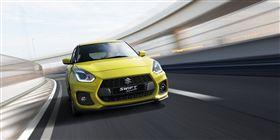 新一代Suzuki Swift Sport外型更顯跑格,擺脫以往可愛小車的溫馴風格。(圖/Suzuki提供)