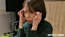 頭痛,感冒,發燒,流感,憂鬱,焦慮,不安,煩惱(示意圖非新聞當事人/記者楊晴雯攝)